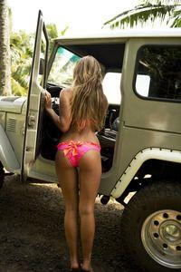 jeep girl, boutiqu, squat, maui girl, cupcakes, swimsuit, bikinis, pink, beach