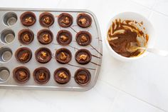 peanut butter & pumpkin dark chocolate cups--How to make peanut butter cups
