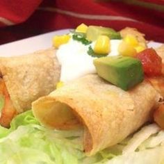 Chicken Flautas By: Arlene Spurlock Chicken Flautas is a Mexican dish. If desired serve with sour cream, picante sauce and/or Spanish rice. Chicken Flautas is a Mexican dish. If desired serve with sour cream, picante sauce and/or Spanish rice. Mexican Dishes, Mexican Food Recipes, Ethnic Recipes, Entree Recipes, Great Recipes, Favorite Recipes, Flautas, Latin Food, Family Meals