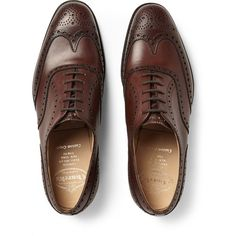 Church's Chetwynd Leather Oxford Brogues (6.954.385 IDR) ❤ liked on Polyvore featuring men's fashion, men's shoes, men's oxfords, mens oxford shoes, mens leather shoes, mens leather oxford shoes and mens brogue shoes