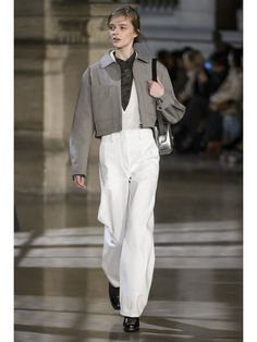 Défilé Autome/Hiver 2016 Lemaire Fashion Week, Runway Fashion, High Fashion, Fashion Show, Fashion Outfits, Womens Fashion, Fashion Design, Style Haute Couture, Oufits Casual