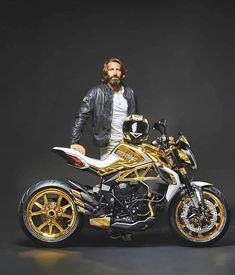@mvagusta.gc Now That's Gold #mvagusta #mvagustamotor #dragster #special #gold #tm #unique #us #independent #crazyideas #family #instabike #instagrambikers #superbikegram #bikersofinstagram #bikeporn #bikes #dubmagazine