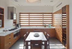 Open kitchen with dinning table