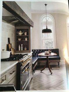 Home Interior, Kitchen Interior, Kitchen Decor, Kitchen Ideas, Interior Plants, Interior Modern, 1920s Interior Design, Decorating Kitchen, European Kitchens