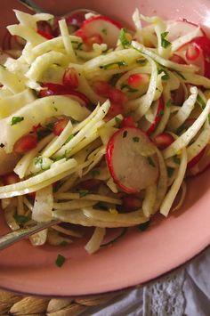 Fenchel-Radieschen-Salat mit Granatapfel und Minze für Viva con Agua und Staatlich Fachinger