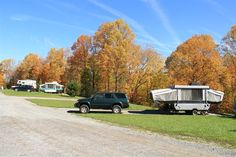 Summerville Lake Retreat in West Virginia - Stay & play under the shadow of West Virginia's only working lighthouse! Great looking cabins, RV sites & tent camping grounds too, scenic location and tons of activities in the area!