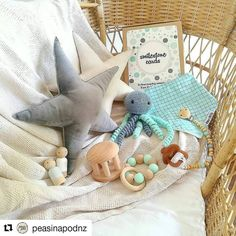 #Repost @peasinapodnz with @repostapp  A few newborn essentials the perfect baby shower gifts!