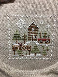 Cute winter x-stitch Cross Stitch Christmas Ornaments, Christmas Ornaments To Make, Christmas Cross, Xmas, Quilt Stitching, Cross Stitching, Cross Stitch Embroidery, Cross Stitch Patterns, Fall Cross Stitch