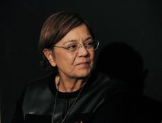 Cecilia Bartolomé (10/10/1943, Alicante) es un directora de cine, guionista y productora española. Fue una de las primeras mujeres diplomadas en la Escuela de Cine en los años sesenta, tras las también directoras Pilar Miró y Josefina Molina. En 2012, el Festival Internacional de Cine de Gijón le otorgó el premio Mujeres de Cine 2012, en recompensa a su trayectoria en el cine español. En 2014, fue galardona con la Medalla de Oro al mérito en las Bellas Artes de España.