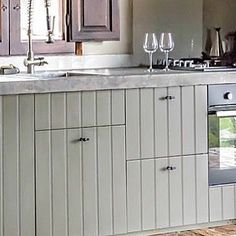 43 vind-ik-leuks, 1 reacties - Pure & Original (@pure_original_paint) op Instagram: 'Tired of your old IKEA kitchen cabinets? Give them a makeover with our floorpaint in a delicious…'
