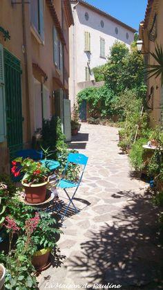 Ruelle de Bormes les Mimosas, Provence