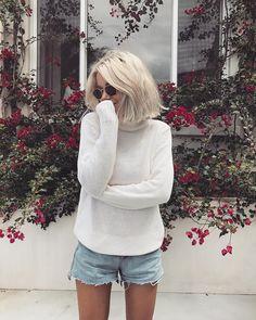 "5,450 Me gusta, 23 comentarios - Laura Jade Stone (@laurajadestone) en Instagram: ""Surrounded by pretty flowers """