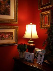 Eye For Design: Red Interiors Are Fabulous.Especially At Christmas Bathroom Interior Design, Decor Interior Design, Interior Decorating, Shabby Chic Interiors, Red Interiors, Powder Room Decor, English Decor, Red Rooms, Luxury Vinyl Plank