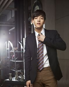 Kang Ha Neul - ohh lord, this is what I need right now. Been craving him all day. Korean Wave, Korean Star, Korean Men, Asian Celebrities, Asian Actors, Korean Actors, Asian Boys, Asian Men, Dramas