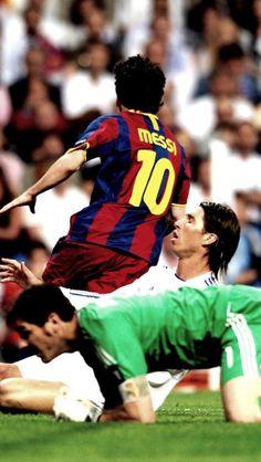 Cr7 Vs Messi, Messi Soccer, Soccer Guys, Neymar Jr, Football Players Images, Best Football Players, World Football, Barcelona Football, Fc Barcelona