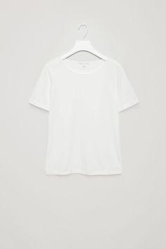 COS   Close-fit t-shirt