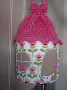 Brittas Ami: Gratis-Free Awesome idea, site has lots of nice patterns but need to translate Crochet For Kids, Crochet Toys, Crochet Ideas, Crochet Motifs, Free Blog, Free Pattern, Diy Crafts, Purses, Decoration