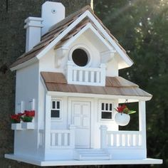 Home Bazaar 8-In W X 11-In H X 9-In D White Bird House Hb-9045Ws