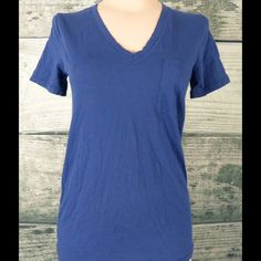 Madewell Navy Blue T Shirt.  Size S, Small Wardrobe staple.  Navy blue.  Super soft!  100% cotton.  As new condition.  Measures 26 inches from shoulder to hem.  Measures 17 inches side to side at the under arm.  Comes from a non-smoking environment. Madewell Tops Tees - Short Sleeve