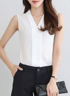 2017 New Summer Style Tops Women Sleeveless Chiffon Shirt Female V-neck Chiffon Blouses White Red Blusas Feminina Chiffon Shirt, Chiffon Tops, Chiffon Blouses, Sleeveless Shirt, Business Outfits, Business Attire, Beautiful Blouses, Korea Fashion, Elegant Outfit