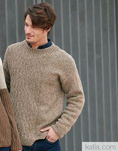 Book Woman Essentials 12 Autumn / Winter | 21: Man Sweater | Nut brown
