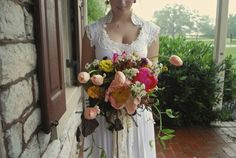 Vintage Garden Bridal Bouquet (An Epiphany Photography) #vintagewedding #gardenwedding #weddingflowers