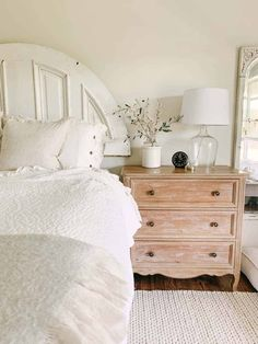 Mixing faux and real stems Bedroom Furniture Makeover, Dining Furniture, Oak Lumber, Farmhouse Area Rugs, Minwax Stain, Green Home Decor, Bedroom Night Stands, Weathered Oak, Cozy Bedroom