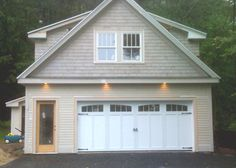 All styles of garage doors Barn Apartment, Garage Apartment Plans, Garage House Plans, Garage Apartments, Garage Office, Garage Room, Dream Garage, Garage With Living Quarters, Garage To Living Space