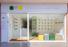 Fotografía fachada día - Clínica Dental Javier Arroyo - Pablo Muñoz Payá Arquitectos