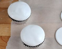 Beki Cook's Cake Blog: The Easiest Way to Frost a Cupcake