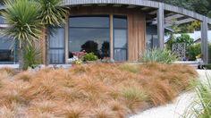 gestaltungsideen f r den vorgarten hanglage treppen pflanzen garten pinterest treppe. Black Bedroom Furniture Sets. Home Design Ideas