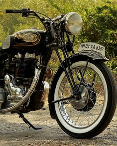 Electra ~ Retro flashback by Jedi Customs Old School Motorcycles, British Motorcycles, Vintage Motorcycles, Motorcycle Types, Motorcycle Clubs, Classic Motors, Classic Bikes, Royal Enfield Stickers, Royal Enfield Classic 350cc