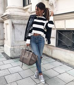 """19.8 mil Me gusta, 172 comentarios - Iva Nikolina Juric (@ivanikolina) en Instagram: """"Check out my outfit on LIKEtoKNOW.it and my new fave glitter/mirror shoes ✨ http://liketk.it/2sOFh"""""""