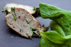 Frikadeller med spinat, hvidløg og parmesan Disse frikadeller kom til verden pga et tilbud på skinkekød    LCHF