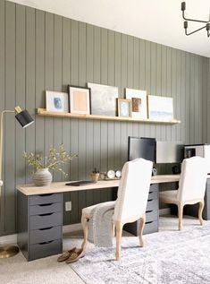 Before and After: A smart IKEA hack makes this home office transformation extra practical. Before and After: A smart IKEA hack makes this home office transformation extra practical. Ikea Home Office, Home Office Setup, Home Office Space, Home Office Design, Basement Office, Home Office Paint Ideas, Ikea Office Hack, Bedroom Office Combo, Best Home Office Desk