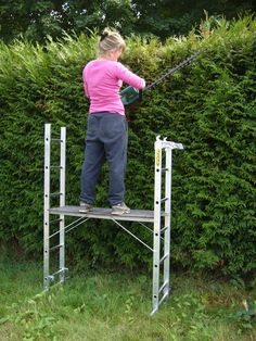 £175.75 3 in 1 Ladder Converts to a Small Scaffold Platform    The 3 in 1 ladder converts to a small scaffold platform with 3 different platform heights to a maximum working height of 3 m, and is made from Box Section Aluminium with extra heavy duty cast aluminium brackets and stabiliser bars giving extra stability.    The unit can be used offset on a staircase and at 830mm wide can pass through any doorway. The 3 in 1 ladder offers a maximum working height of 3.5m as an extension ladder.