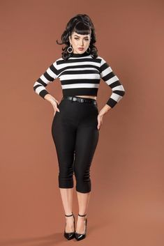 Deadly Dames Jailbird Cropped Sweater Top in Black and White Stripe - Pinup Girl Clothing Looks Rockabilly, Mode Rockabilly, Rockabilly Outfits, Rockabilly Fashion, Rockabilly Hair Tutorials, Rockabilly Bangs, Rockabilly Makeup, Pin Up Outfits, Cute Outfits