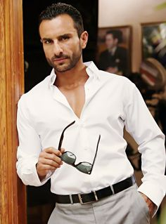 Check out Saif Ali Khan Agent Vinod Movie Photos. More images and updates from agent vinod on Rediff Pages Popular Male Actors, Indian Fashion, Mens Fashion, Fashion Mag, Glamour World, Saif Ali Khan, Semi Casual, Bollywood Stars, Bollywood News