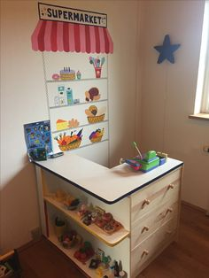 Supermarket play room. Pretend grocery