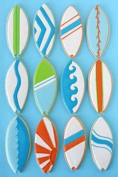 surfboard design ideas Summer Cookies, Fancy Cookies, Iced Cookies, Cute Cookies, Royal Icing Cookies, Cupcake Cookies, Cookies Et Biscuits, Shark Cookies, Cookie Favors