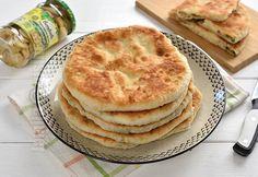 "Placinte cu ciuperci in tigaie [Stuffed bread/""pancake pies"" with mushroom filling] from Jamila Cuisine Apple Pie, Food To Make, Pancakes, Stuffed Mushrooms, Food And Drink, Pizza, Favorite Recipes, Snacks, Cooking"