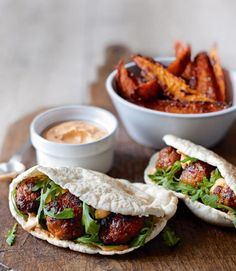 pork meatball pittas with harissa mayo and sweet potatoes These spicy pork meatballs in pittas are perfect finger food and they can also be frozen.These spicy pork meatballs in pittas are perfect finger food and they can also be frozen. Sweet Potato Recipes, Pork Recipes, Cooking Recipes, Healthy Recipes, Free Recipes, Pub Food, Cafe Food, Pork Meatballs, Pork Sausages