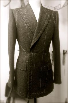 DAVIDE TAUB Tailor & Cutter, Savile Row: 'House Style' - Form Follows Function: Style From Cutting & Handcraft Tailoring, 2014