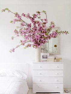 greige: interior design ideas and inspiration for the transitional home : spring arrangements. Home Interior, Interior And Exterior, Luxury Interior, Modern Interior, Decoration Branches, Room Decorations, Cherry Blossom Decor, Cherry Blossoms, Pink Blossom