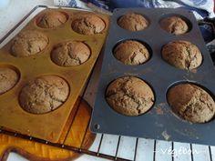 Bonjour ! Comme vous le savez, je suis une inconditionnelle des muffins et des recettes simplissimes. Pour les muffins au chocolat, j'ai ma recette fétiche, maintes fois testée et approuvée. Mais p...