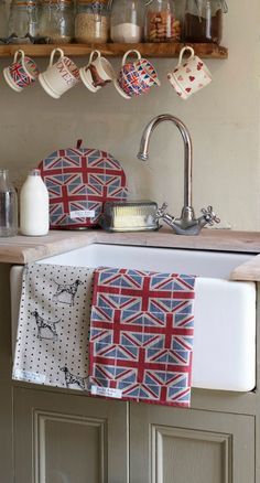 Perfect Farmhouse Sink & Emma Bridgewater Pottery