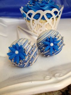Royal Blue themed cake pops