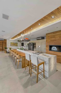 Image 7 of 40 from gallery of A+C House / Studio Colnaghi Arquitetura. Photograph by Vanessa Bohn - Denise Wichmann Modern Kitchen Design, Interior Design Kitchen, Kitchen Decor, Room Interior, Küchen Design, House Design, Sweet Home, Modern Architecture House, Futuristic Architecture