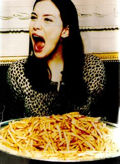 UNO! i have something in common with Liv Tyler - only the fries haven't found her ass :O)