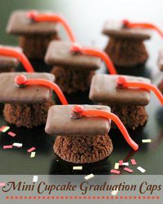 EASY-Mini-Cupcake-Graduation-Caps.jpg 719×900 pixeles
